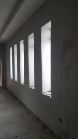 SMOOTH WALLS WINDOWS